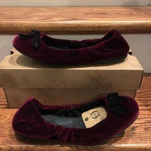 Born Karoline burgundy velvet 9.5 M new